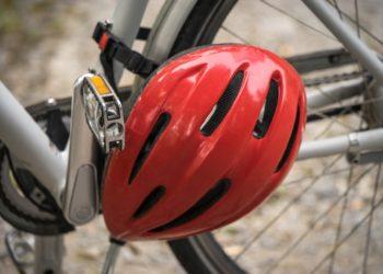 Fahrradhelme können Leben rette, doch eine Helmpflicht ist umstrtten. (pixabay, License free)