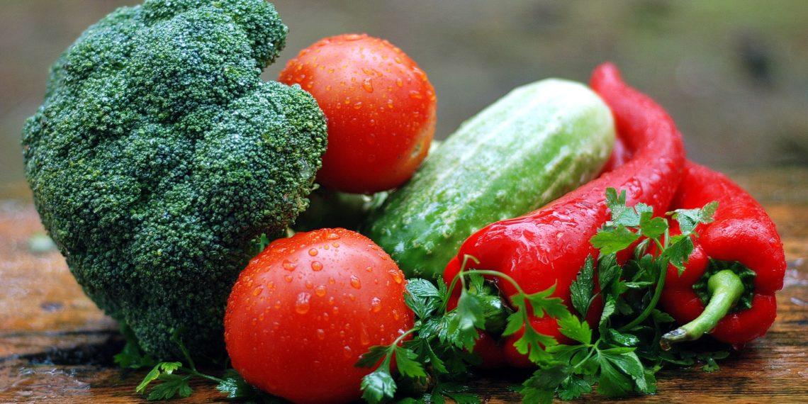 Viele Lebensmittel wären noch essbar, aber sie landen auf dem Müll. (Foto: pixabay, license free)