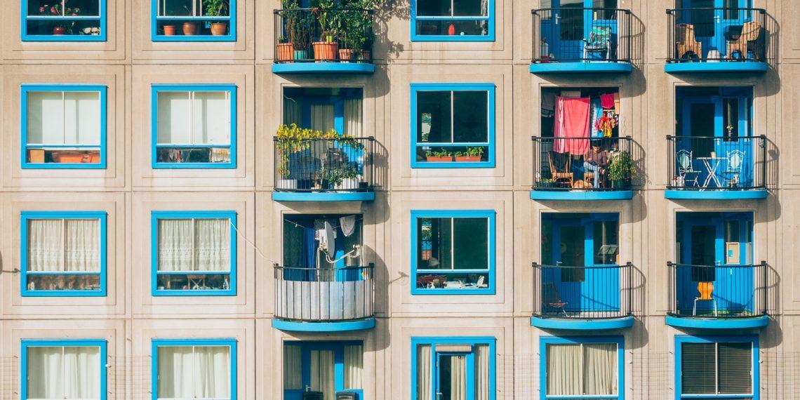 Für das Leben auf dem Balkon gilt unter Nachbarn in erster Linie das Gebot der gegenseitigen Rücksichtnahme (Foto: pixaba, license free).