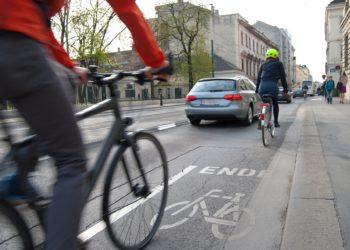 Das Fahrradfahren in der Stadt soll sicherer werden, fordert Verkehrsminister Andreas Scheuer (Foto: pixabay, license free)