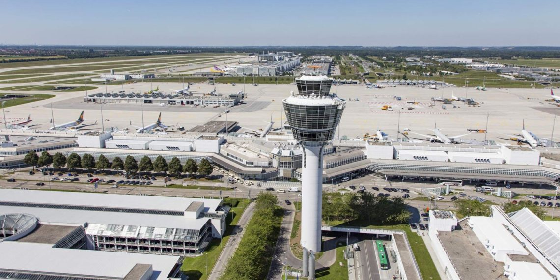 Nach dem Chaos vom vergangenen Jahr verteilt der Münchner Airport Gutscheine an Betroffene (Foto: Flughafen München GmbH FMG)