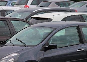 Parkraumverknappung soll das Autofahren in der City unattraktiver machen. (Foto: Manfred Richter, pixabay, license free)