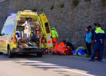 Rettungssanitäter sind meist eher am Unfallort als der Notarzt. Aber medizinisch helfen dürfen sie nicht. (Foto: Gianni Crestani, Pixabay)