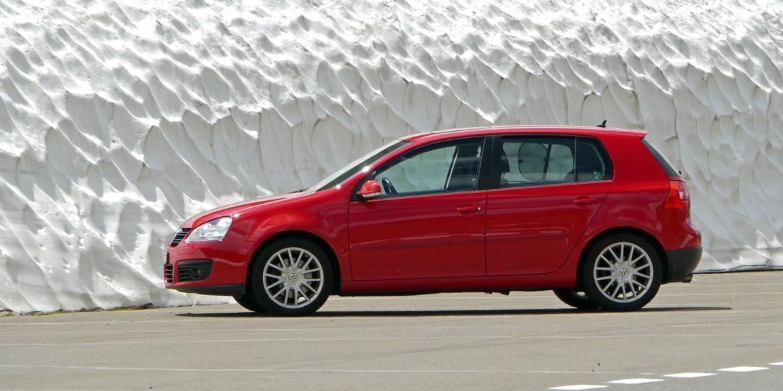 Der Golf ist ein wahres Volksauto. Kaum ein Auto ist in Deutschland beliebter. Doch jetzt wird es auch für Golf-Fahrer deutlich teurer.