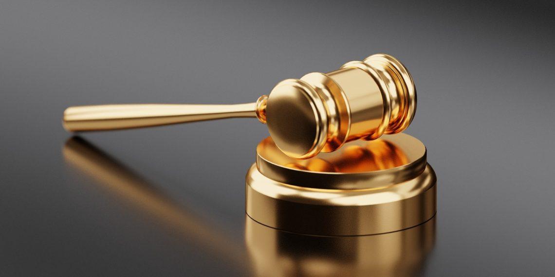 Auch in Gerichten gibt es manchmal Humor. Aber er ist umstritten. (Bild: Pixabay License)