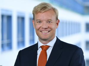 Signa übernimmt Thomas Cook Reisebüros   Wer sind die deutschen Manager?