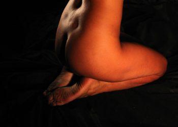 """Rasierklinge in der Vagina?"" Scharfer Sex geht anders! (Foto: Benito Garzon, Pixabay)"