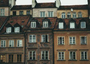 Immobiliengeselllschaften kaufen gerne Altbauten auf und modernisieren sie, um sie dann teurer weiter zu vermieten. (Foto: Pixabay, License free)