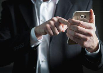 """Bei Anruf Geld! Die Werbeaktion """"Easy Monex"""" wird für den den Mobilfunkanbieter Telefónica richtig  teuer. (Foto: Tero Vesalainen, Pixabay)"""