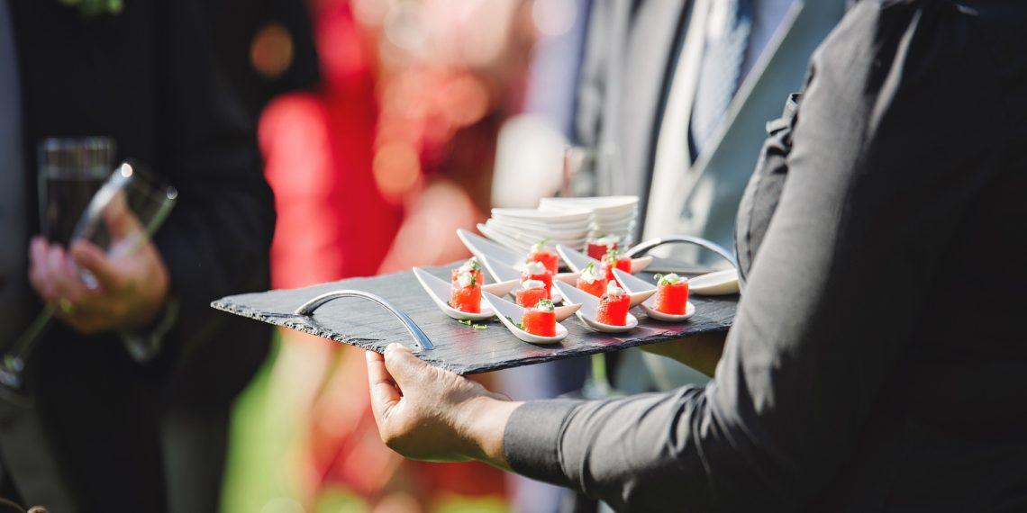 Gerade die Gastronomie ist auf Teizeitkräfte und Minijobber angewiesen. (Foto: Pixabay)