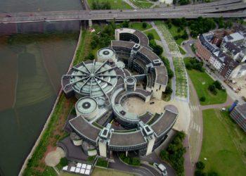 Im Düsseldorfer Landtag wird über ein umstrittenes Notstandsgesetz beraten. (Foto: Heinz Teuber, Pixabay)