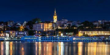 Vor einer Reise ins Ausland sollte man checken, ob es ein Risikoland ist. Hier Belgrad in Serbien. (Bild: pixabay free).